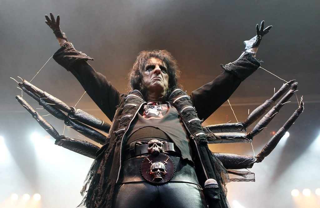 SYDNEY, AUSTRALIA - SEPTEMBER 26: Alice Cooper performs at Enmore Theatre on September 26, 2011 in Sydney, Australia. (Photo by Mark Metcalfe/Getty Images)